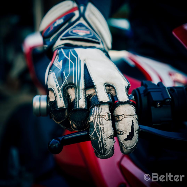 Kushitani GPR-6 Racing Glove on brake.