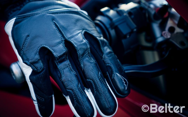 Kushitani Gore-Tex gloves